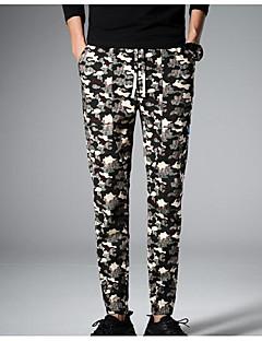 billige Herrebukser og -shorts-Menns normale midterstigning, mikro-elastiske skinnybukser, enkel kamouflage rayon vår / høst