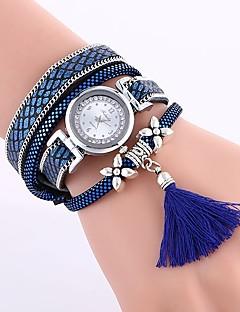 billige Armbåndsure-Dame Quartz Armbåndsur Kinesisk Afslappet Ur PU Bånd Afslappet Mode Sort Blåt Rød Brun Kaki Himmelblå