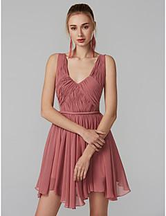 Χαμηλού Κόστους Φορέματα για Γιορτές και Πάρτι-Γραμμή Α Λαιμόκοψη V Κοντό / Μίνι Σιφόν / Τούλι Όμορφη Πλάτη Κοκτέιλ Πάρτι Φόρεμα με Βολάν / Πλισέ με TS Couture®