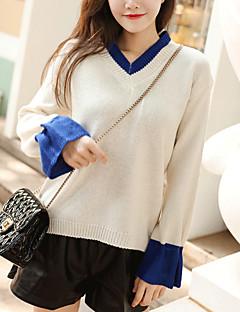tanie Swetry damskie-damski sweter z długimi rękawami - kolorowy dekolt w szpic