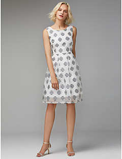 billiga Cocktailklänningar-A-linje Prydd med juveler Knälång Polyester- / bomullsblandning Färgblock Cocktailfest Klänning med Plisserat av TS Couture®