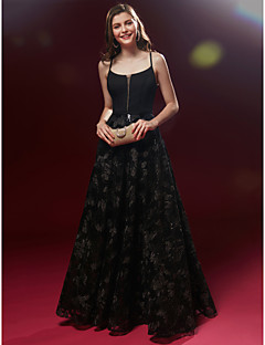 billiga Aftonklänningar-A-linje Smala axelband Golvlång Spets Bal / Formell kväll Klänning med Spets av TS Couture®