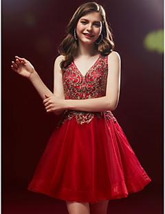 baratos Vestidos de Formatura-Linha A Decote V Curto / Mini Renda / Tule Coquetel Vestido com Miçangas / Aplicação de renda de TS Couture®