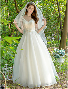 billiga Brudklänningar-Prinsessa V-hals Golvlång Spets / Tyll Bröllopsklänningar tillverkade med Rosett(er) / Skärp / Band av LAN TING Express