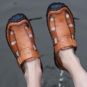 baratos Sandálias Masculinas-Homens Sapatos Confortáveis Couro Primavera / Verão Casual Sandálias Respirável Preto / Marron / Ao ar livre