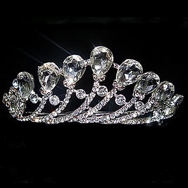 helmi ja strassi seostetussa tiara