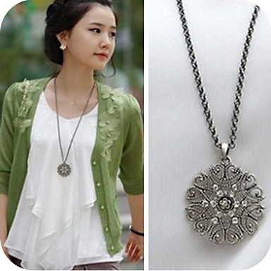 Women's Synthetic Diamond Pendant Necklace - Casual Fashion Necklace For Daily