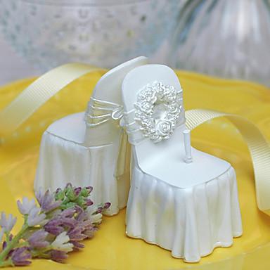 우아한 의자 디자인 촛불
