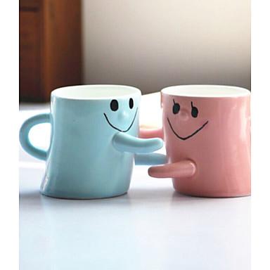 2pcs homens e mulheres amigos aniversário presente amantes abraço rosto sorridente para uma xícara de um par de copos cor aleatória