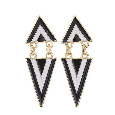 Mulheres Para Meninas Brincos Compridos Vintage Festa Trabalho Casual Fashion Europeu Chapeado Dourado Liga Triângulo Forma Geométrica