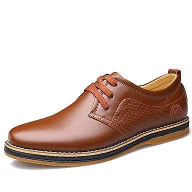 Hombre Zapatos formales Cuero Primavera Casual / Confort Oxfords Paseo Negro / Marrón / Los zapatos de cuero