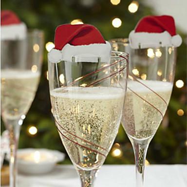 クリスマスの日のデザインに3本の赤ワインガラスの装飾カードはランダムです