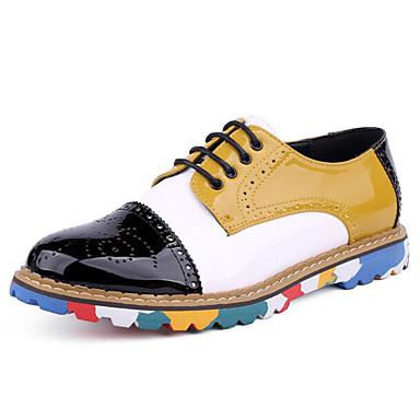 Miehet kengät Tekonahka Kevät Comfort Lenkkitossut varten Kausaliteetti Keltainen