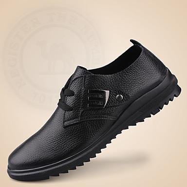 Homens sapatos Pele Napa Primavera/Outono Conforto Mocassins e Slip-Ons Tachas para Casamento Casual Escritório e Carreira Ao ar livre
