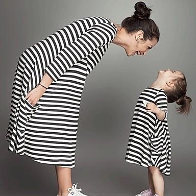 billige Sett med familieklær-Baby Mamma og meg Aktiv Grunnleggende Daglig Skole Stripet Trykt mønster 3/4 ermer Midi Lang Kjole Svart