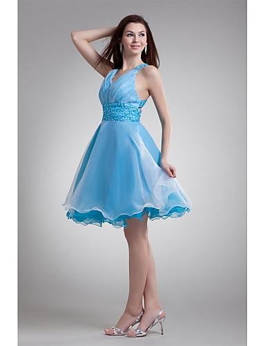 גזרת A צמוד ומתרחב צווארון וי באורך  הברך אורגנזה מסיבת קוקטייל נשף שמלה עם חרוזים קפלים על ידי XFLS