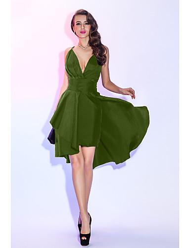billige Formelle dresser-A-linje Stikkende halslinje Asymmetrisk Taft Liten svart kjole / To deler Cocktailfest / Skoleball Kjole med Bølgemønster / Plissert av TS Couture®