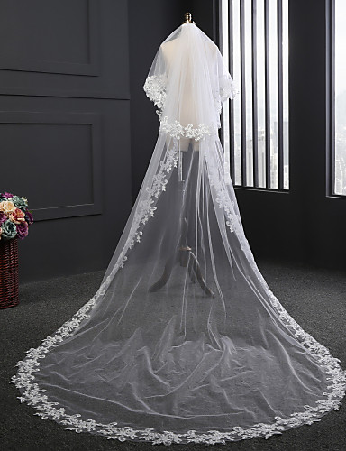 Two-tier Lace Applique Edge Wedding Veil Chapel Veils with Satin Flower / Embroidery Tulle / Classic