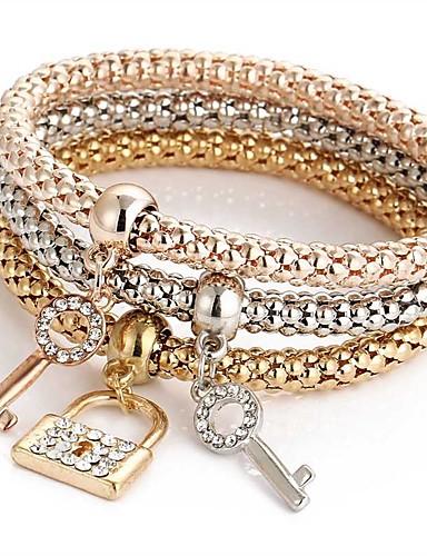 abordables Bracelet Or Rose-3pcs Bracelet Pendentif Parure Bracelet Bracelets de mémoire Femme Multirang Strass Amitié dames Doux Italien Bracelet Bijoux Or Rose pour Cérémonie Soirée