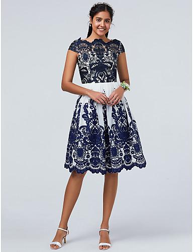 billige Feriekjoler-A-linje Kamskjell Knelang Blonder / Tyll Cocktailfest Kjole med Appliqué av TS Couture®