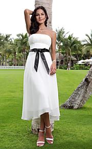 Trapèze Sans Bretelles Longueur Genou Mousseline de soie Robes de mariée personnalisées avec Ceinture / Ruban par LAN TING BRIDE®