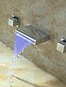 Nutida Konst Dekor / Retro Moderna Väggmonterad Vattenfall Termostatisk LED Mässing Ventil Tre hål Två handtag tre hål Krom, Badrum
