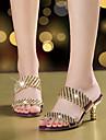 Mulheres Sapatos Microfibra Verao / Outono Sandalias Caminhada Salto Agulha Dedo Aberto Pedrarias / Gliter com Brilho Dourado / Preto /