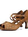 Pentru femei Pantofi Dans Latin Mătase Sandale / Călcâi Performanță Piatră Semiprețioasă / Cataramă Toc Flared Pantofi de dans Mov / Maro